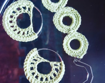 Crochet earring & pendant set