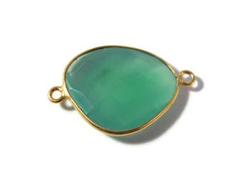 Natural Green Onyx Pendant, Gold Plated Gemstone, Irregular Bezel Set Charm, 26mm x 17mm Charm for Making Jewelry (C-Go5)