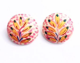 SALE Retro/Vintage 1980s - 80s - plastic round hand painted flower earrings