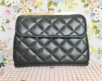 Vintage black quilted kisslock wallet  clutch