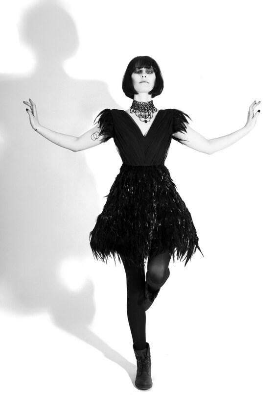 Schwarzer Schwan Kleid Couture Abend tragen Federn