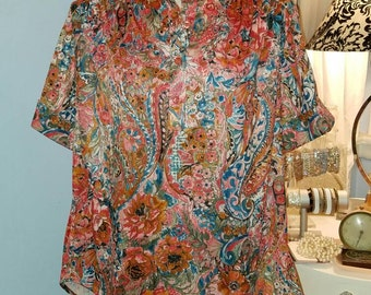 Colorful, Vintage 70s tunic style blouse. Adorable.