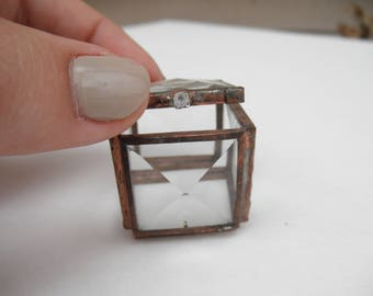 "1"" Square Glass Treasure Box"