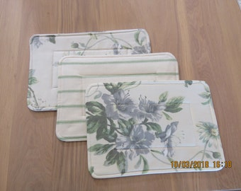 Place Mats set of 6 small.