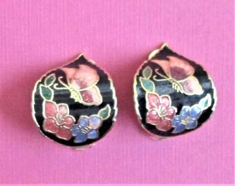 Des boucles d'oreilles Vintage cloisonné Clip inhabituelle des boucles d'oreilles noir pêche Floral astucieuse d'oreilles papillon noir bijoux or et émail rose