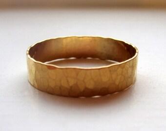 Wide Band Ring Hammered - 14k Gold Filled