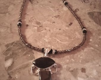 Shining Agate and Tiger Eye Pendent Necklace