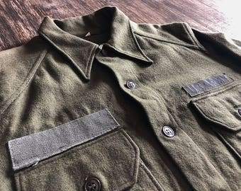 Vintage US Army wool shirt.