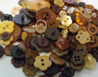 25 Brown Flower Buttons - Grab Bag