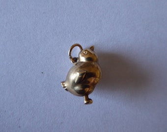 Gorgeous, vintage 9ct gold chick charm 0.93g