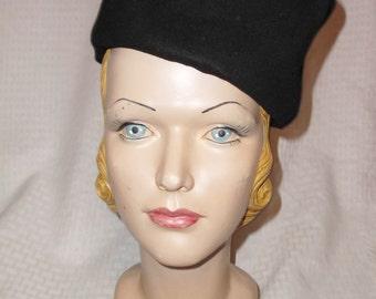 1930s Vintage Black Felt Tall Tilt Hat