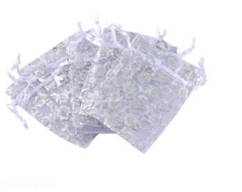 5 white organza sleeves 95 x 70 mm Silver flower pattern