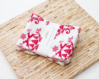 Large Cloth Napkins - Set of 4 - (N4383) - Red Reindeer Christmas Holiday Modern Reusable Fabric Napkins