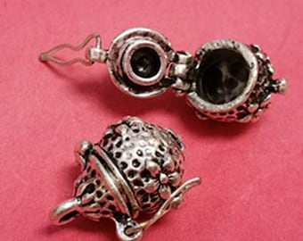 2pc fancy antique silver metal prayer box pendant-4352