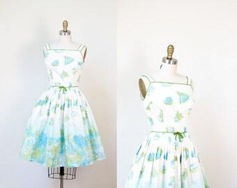 1950s Novelty Print Dress / 50s Tropical Border Print Sundress
