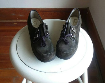 Granny chic mod  hush puppies vintage 8 1/2 Narrow deadstock 70s 60s nwot ladies librarian shoes casual