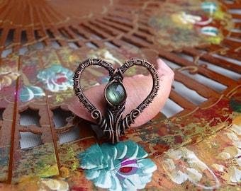 Copper heart pendant with labradorite gemstone. Heart pendant, copper pendant, labradorite pendant, gift for her, cute pendant, labradorite.