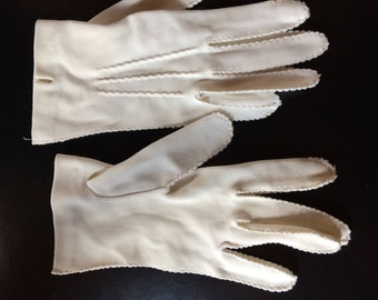 White Tea Gloves