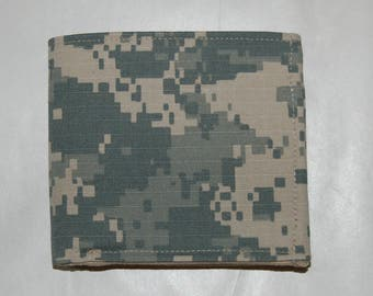Men's Bifold Army Camo Wallet with Cash Pocket and ID slot