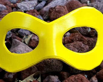 READY TO SHIP - Yellow Domino Mask - Round Edged Molded Leather Mask - Superhero Cosplay Mask Comic Costume