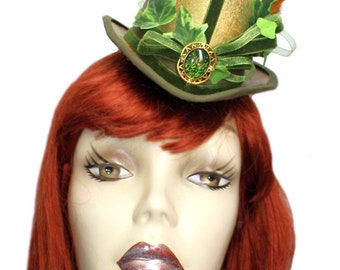 Poison Ivy Mini Top Hat Steampunk Inspired Cosplay Fascinator Cocktail Green Gold