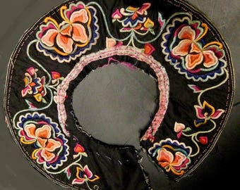 """Vintage Chinese hand embroidery, floral,collar 9"""" (CH 7)"""