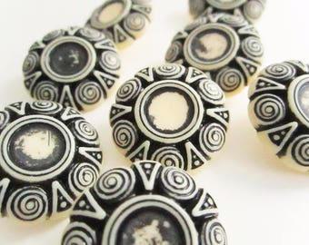 Cream and Black Tribal Buttons, Large Plastic Buttons, Cabochon Setting,Vintage Buttons,Shank backing,sewing buttons, craft supplies