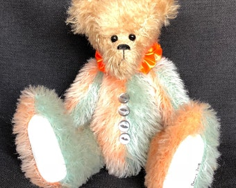Jestro - a collectible artist bear from the Bearly Bears jester range