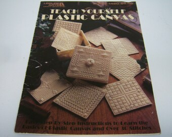 Teach Yourself Plastic Canvas, Leaflet 1420, Leisure Arts, Many Designs, 1992 Booklet, Used Condition, Free Shipping USA