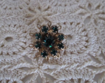 Beautiful Vintage Green Rhinestone Brooch (On sale)