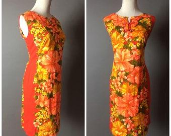 Vintage 60s dress / 1960s dress / hawaiian dress / tiki dress / tropical dress / floral dress / shift dress / barkcloth / sheath dress 8337