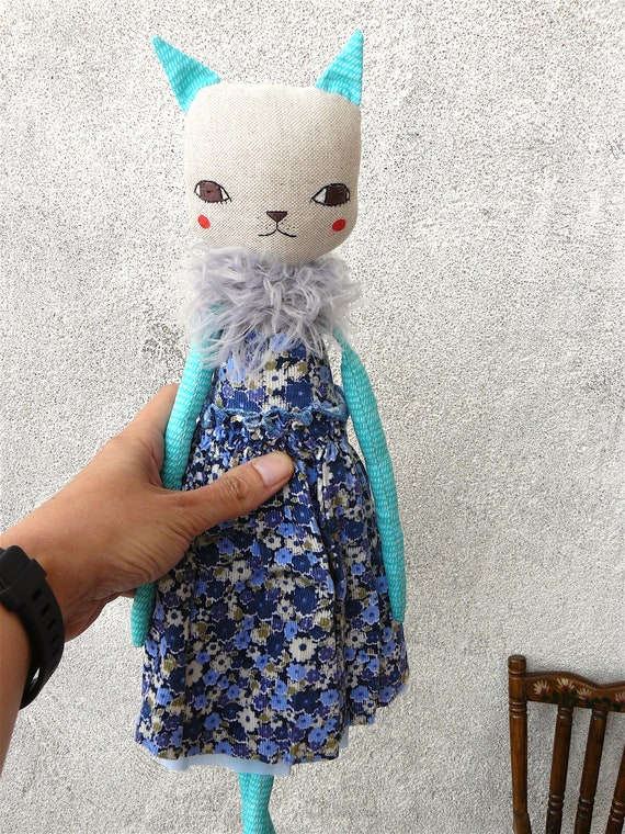 Cat doll in cotton and linen canvas.  37 cm.