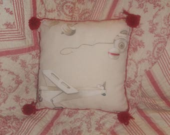 """Country chic Cushion cover""""toys of yesteryear 2"""" red, white and beige 40 by 40 cm"""