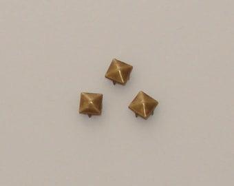 20 rivets studs square 9mm antique bronze - Ref: RC 563