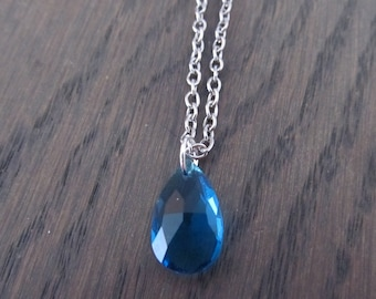 Necklace with drop Crystal