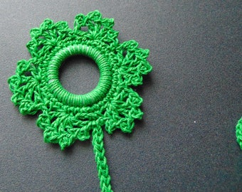 Large green snowflake bookmark