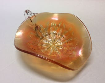"""Vintage Dugan Carnival Glass """"Leaf Rays"""" Marigold Nappy Spade Shape Finger Holder"""