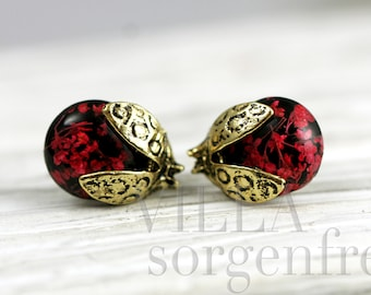 Real flower ladybug stud earrings. Bronze ladybugs with body made of real flowers. Gift for her.