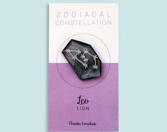 Zodiac constellation brooch - lion
