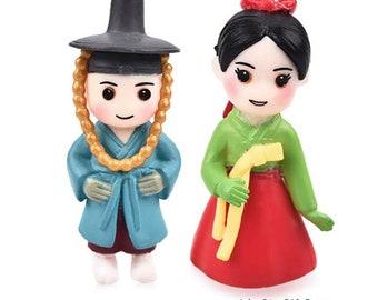2 Pc  Couple Adorable Miniature Garden Plants Terrarium Dollhouse Ornament Fairy Decoration CC0613
