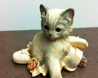 Vintage Cat Figurine -  Kitten with Ballet Slippers - Made in the USA - Kitten Ornament - Cat Lovers Gift