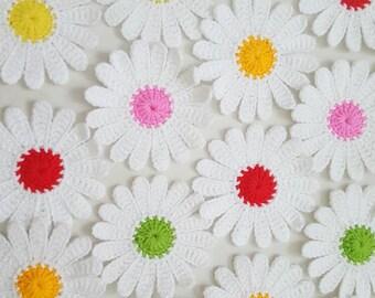"10 pcs Daisy Flowers Handmade Crochet Appliques size 3"" - white"