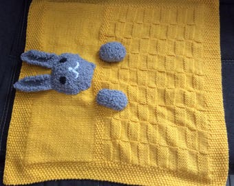 Rabbit pattern yellow baby blanket