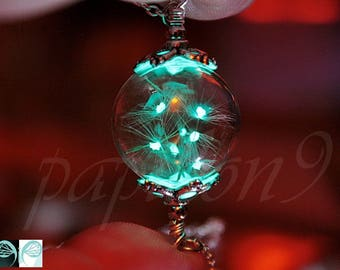 Luminous DANDELION / Dandelion seeds pendant / Glass bubble Pendant / GLOW in the DARK / Glow Dandelion Seeds /