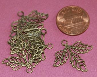 6 pcs of Antique brass 3 leaves  drops 27x23mm
