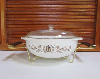 Pyrex Golden Tulip Promotional Casserole with Carrier