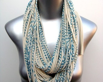 Teal Scarf, Infinity Scarf, Gift for Her, Gift for Women, Statement Necklace, Scarf Women, Scarves for Women, Winter Scarf, Chunky Scarf