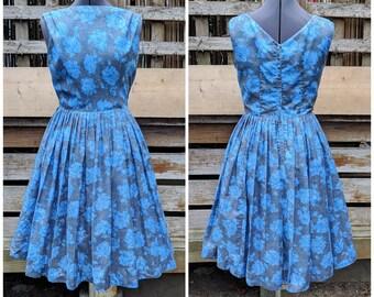 Vintage 1950's blue roses on gray novelty print 100% cotton tea dress with crinoline underskirt