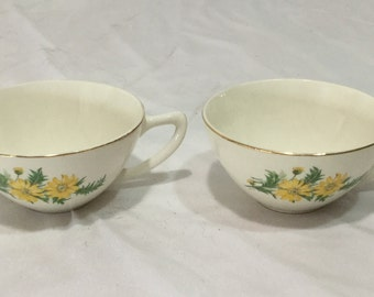 Knowles 1952 Yellow Daisy's X4011 2 Tea Cups Antique Pottery