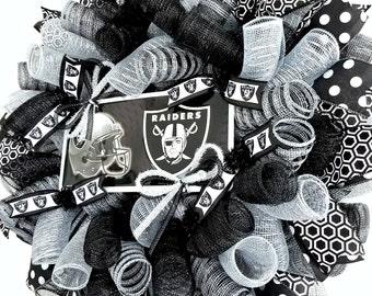 Raiders, Raiders Decor, Raiders Wreath, Raider Nation, Raiders Football, NFL Wreath, Football Wreath, Raider Tailgate, Raider Fan, Football